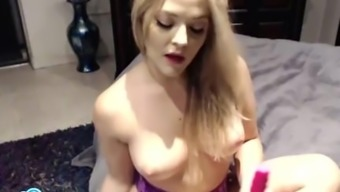 Alexis Texas forcing a dildo into her soppy pussy.
