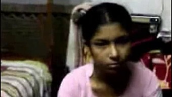 Southindian Chief enjoyed with her maid inside a Resort