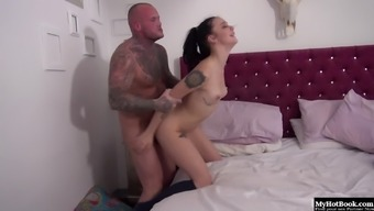 Alessa Vicious likes awakening to effectively her guy halted featured on her sleep.